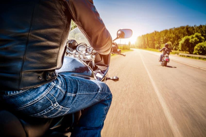 Pourquoi faire appel à un coursier moto?
